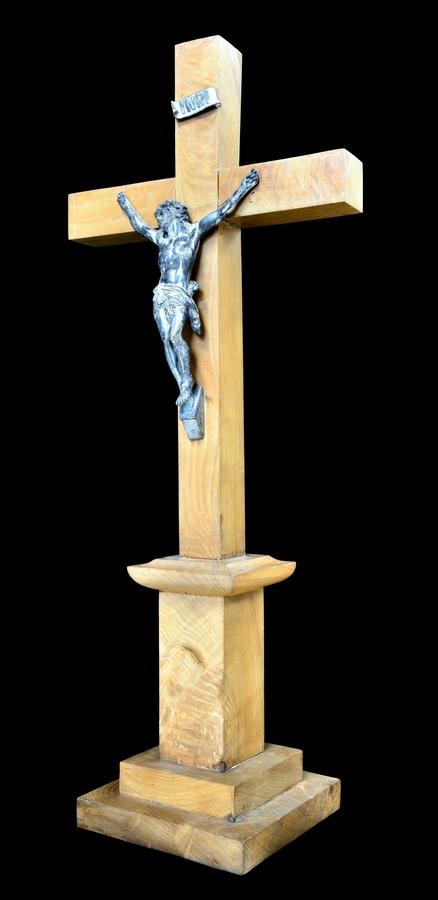Un crucifix témoin de notre passé